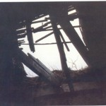 κατεστραμμένο μέρος της οροφής