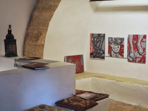 """View on the Exhibition """"Tales from an Old Fort Town"""" in the Mikveh of Etz Hayyim."""